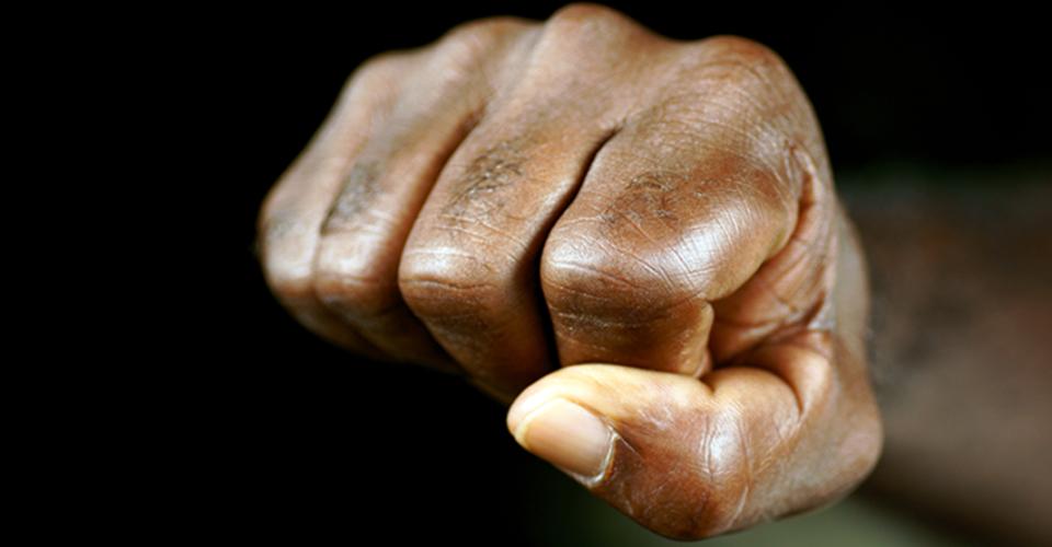 Não lute com a força do seu braço