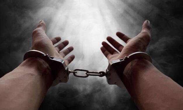 Como escapar de uma prisão espiritual